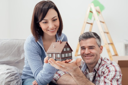 middle aged couple learning what the Ontario New Housing Rebate is